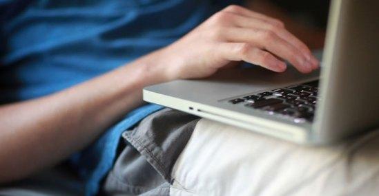 8-de-cada-10-colombianos-se-conectan-por-más-de-dos-horas-al-día-a-internet