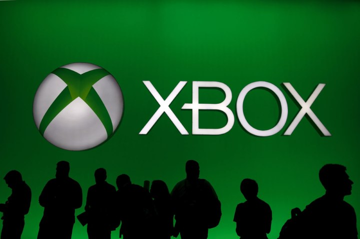 xbox-live-down-offline-attacks-new-world-hackers-network-issues-microsoft
